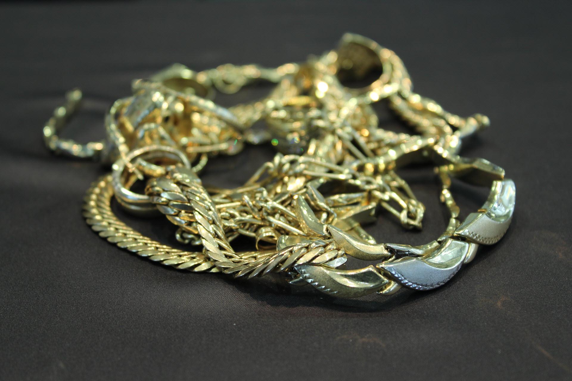rolex-uhrenankauf-wien-juwelier-sascha, Breitling-Markenuhr-Uhren-Ankauf-Wien-Juwelier-Sascha, Goldringe