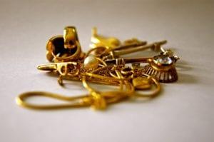 altgold - Altgold Ankauf Wien Juwelier Sascha 300x199 - Altgold