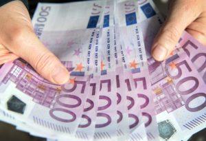 goldpreis - 10000 euro anlegen geld investieren tipps anlage aktien bundesanleihen tagesgeld 1 300x205 - Gold-Uhren -Schmuck Ankauf